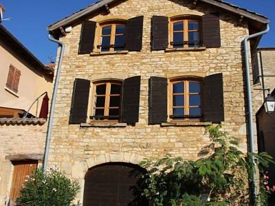 MAISON A LOUER - POMMIERS - 90 m2 - 790 € charges comprises par mois