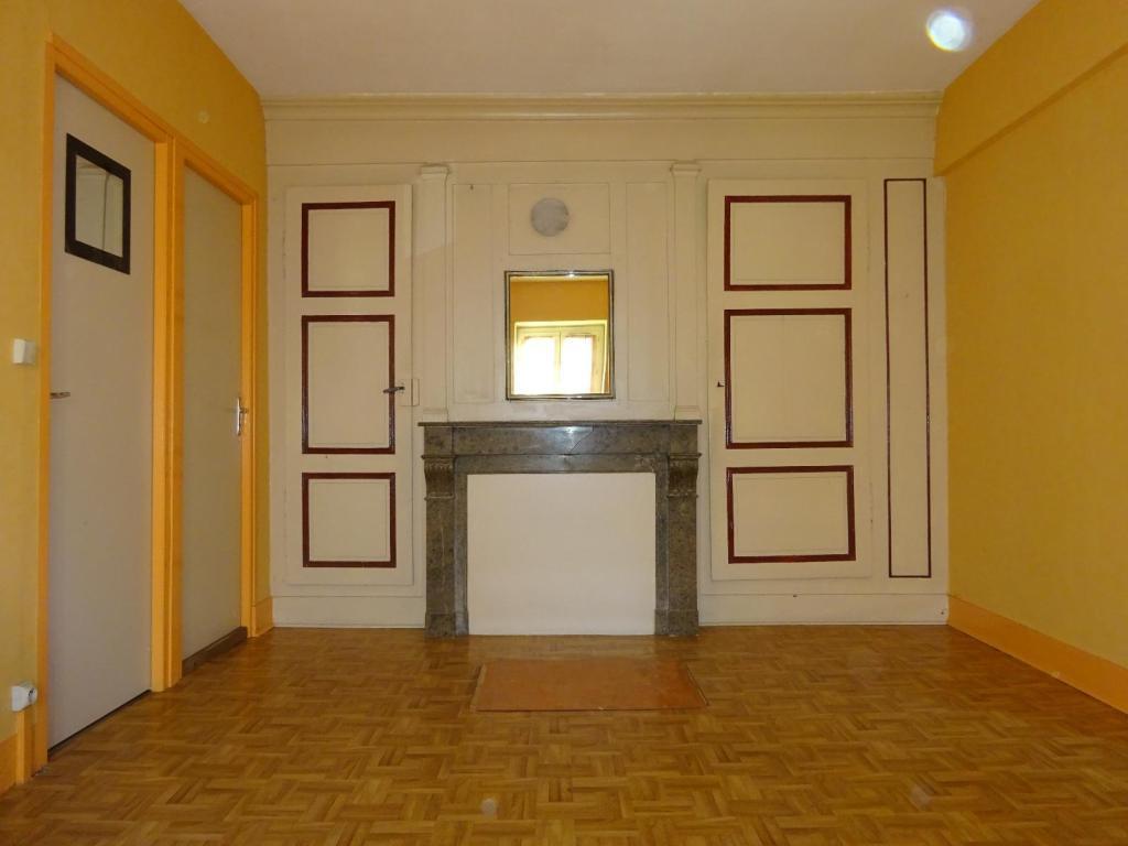 appartement t4 a vendre villefranche sur saone 110 m2 130000 immobilier lacenas. Black Bedroom Furniture Sets. Home Design Ideas