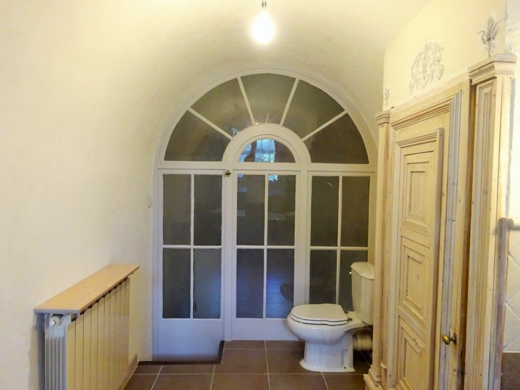 APPARTEMENT T4 A VENDRE - CHASSELAY - 140 m2 - 310 000 €