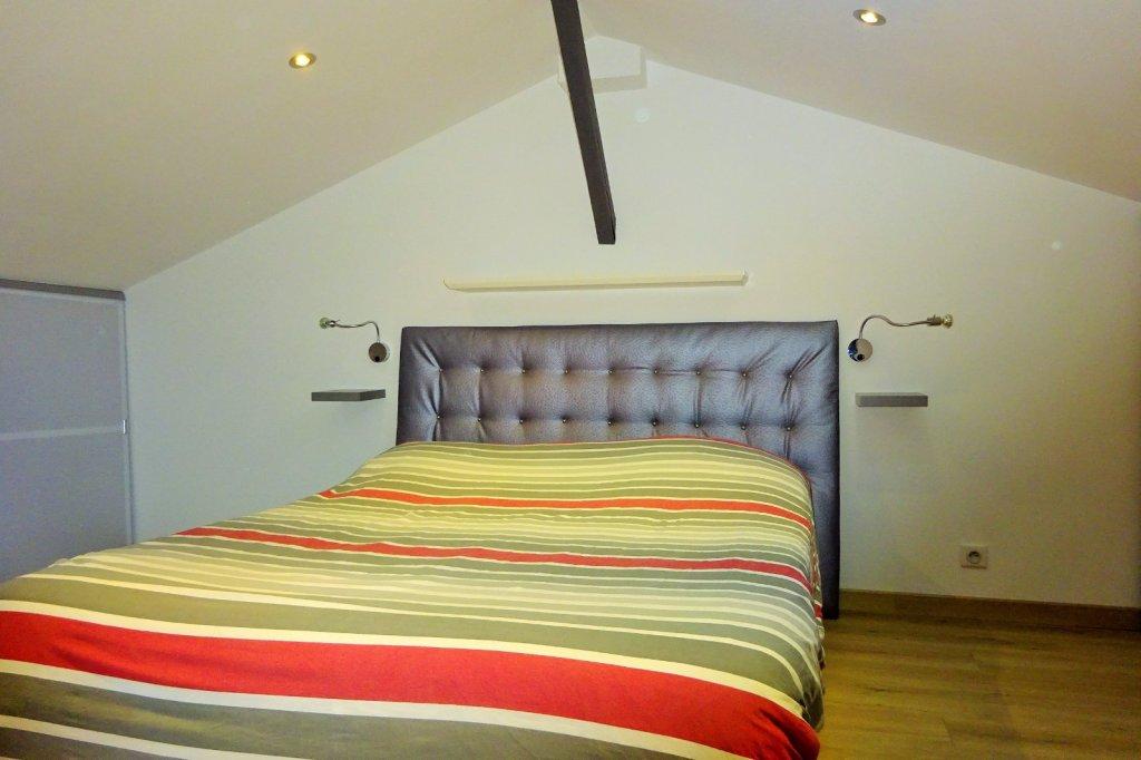 appartement t3 villefranche sur saone 93 m2 210000. Black Bedroom Furniture Sets. Home Design Ideas