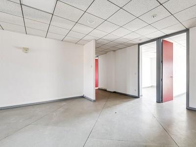 BUREAU A VENDRE - VILLEFRANCHE SUR SAONE - 121,7 m2 - 128000 €