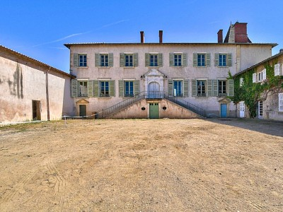 APPARTEMENT T5 A VENDRE - ST GEORGES DE RENEINS - 135 m2 - 169000 €