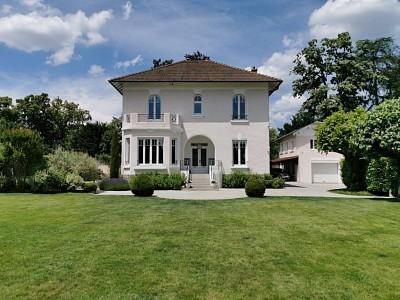 PROPRIETE A VENDRE - CHAMPAGNE AU MONT D OR - 250 m2 - 2060000 €