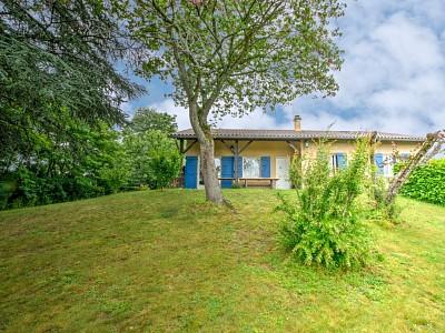 Maison avec 3 chambres, dortoir et combles A VENDRE - FONTAINES ST MARTIN - 150 m2 - 640000 €