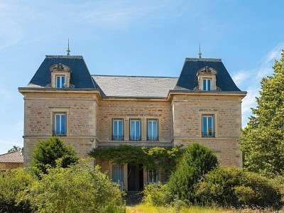 APPARTEMENT T3 A VENDRE - LIMAS - 133 m2 - 392400 €