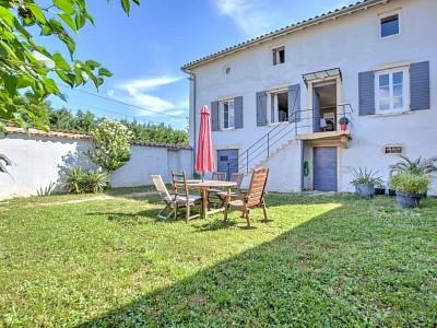 MAISON A VENDRE - ST GEORGES DE RENEINS - 92,7 m2 - 280000 €