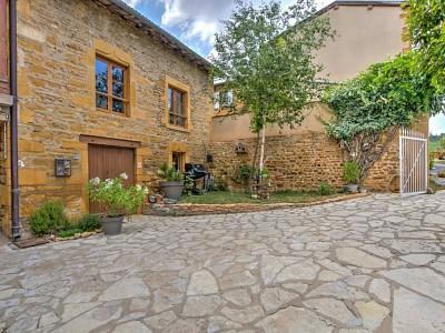 MAISON A VENDRE - BAGNOLS - 191 m2 - 450000 €