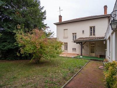 MAISON A VENDRE - VILLEFRANCHE SUR SAONE - 220 m2 - 640000 €