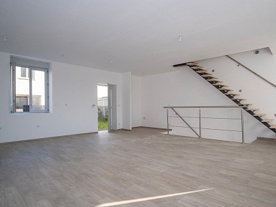 APPARTEMENT T4 A VENDRE - ARNAS - 125,97 m2 - 237 000 €