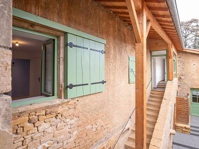 Maison de village en pierres dorées A VENDRE - THEIZE - 164 m2 - 363000 €