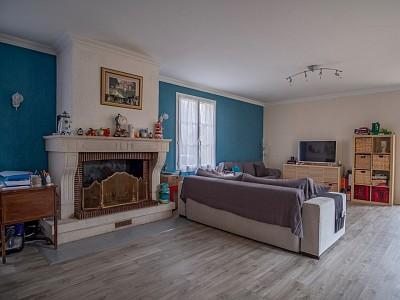 MAISON A VENDRE - LIMAS - 120 m2 - 310000 €