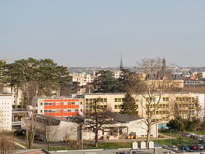 APPARTEMENT T4 A VENDRE - VILLEFRANCHE SUR SAONE - 78 m2 - 185000 €