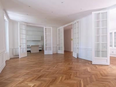 APPARTEMENT T5 A VENDRE - LYON 6EME ARRONDISSEMENT - 144,32 m2 - 1160000 €