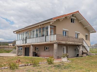 MAISON A VENDRE - ST ETIENNE DES OULLIERES - 149 m2 - 405000 €