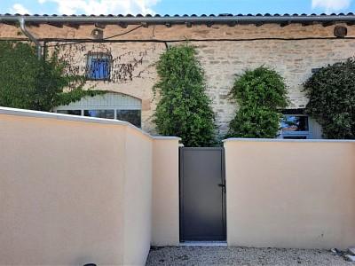 LOFT A VENDRE - LIMAS - 244,9 m2 - 383500 €