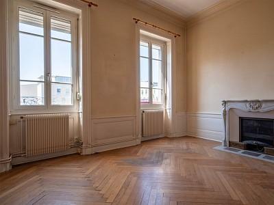 APPARTEMENT T4 A VENDRE - VILLEFRANCHE SUR SAONE - 115 m2 - 250000 €