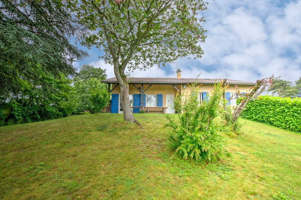Maison avec 3 chambres, dortoir et combles - FONTAINES ST MARTIN - 140 m2 - VENDU