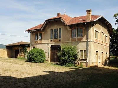 MAISON A VENDRE - JARNIOUX - 300 m2 - 320000 €