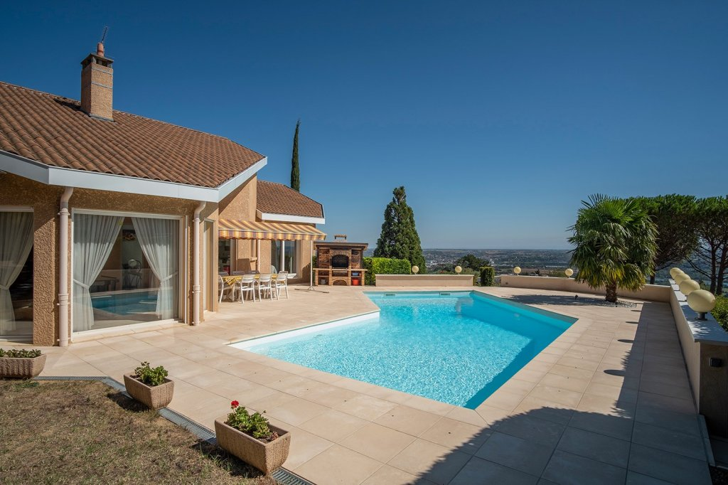 MAISON A VENDRE - LIMAS - 175 m2 - 775000 €