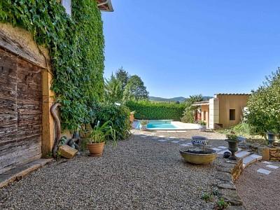 MAISON A VENDRE - POUILLY LE MONIAL - 213 m2 - 590000 €