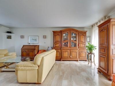 MAISON A VENDRE - ST PRIEST - 165 m2 - 520000 €