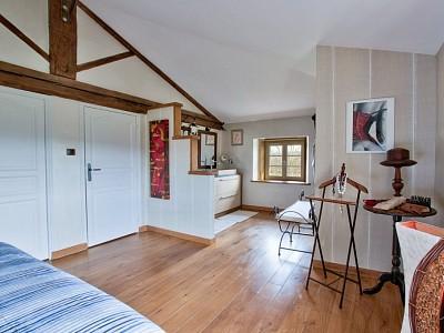 PROPRIETE A VENDRE - BAGNOLS - 500 m2 - 1�0�0 €