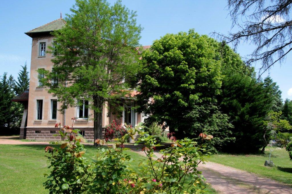 Propriété avec maison de gardien et piscine A VENDRE - BOEN - 550 m2 - 450000 €