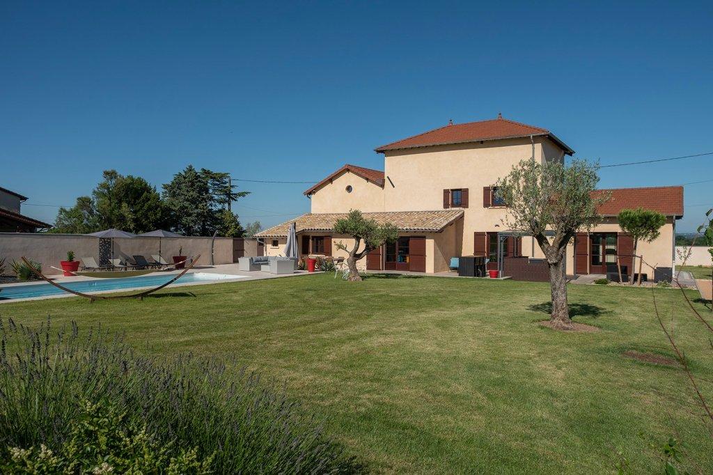 PROPRIETE - CHARENTAY - 200 m2 - 885000 €
