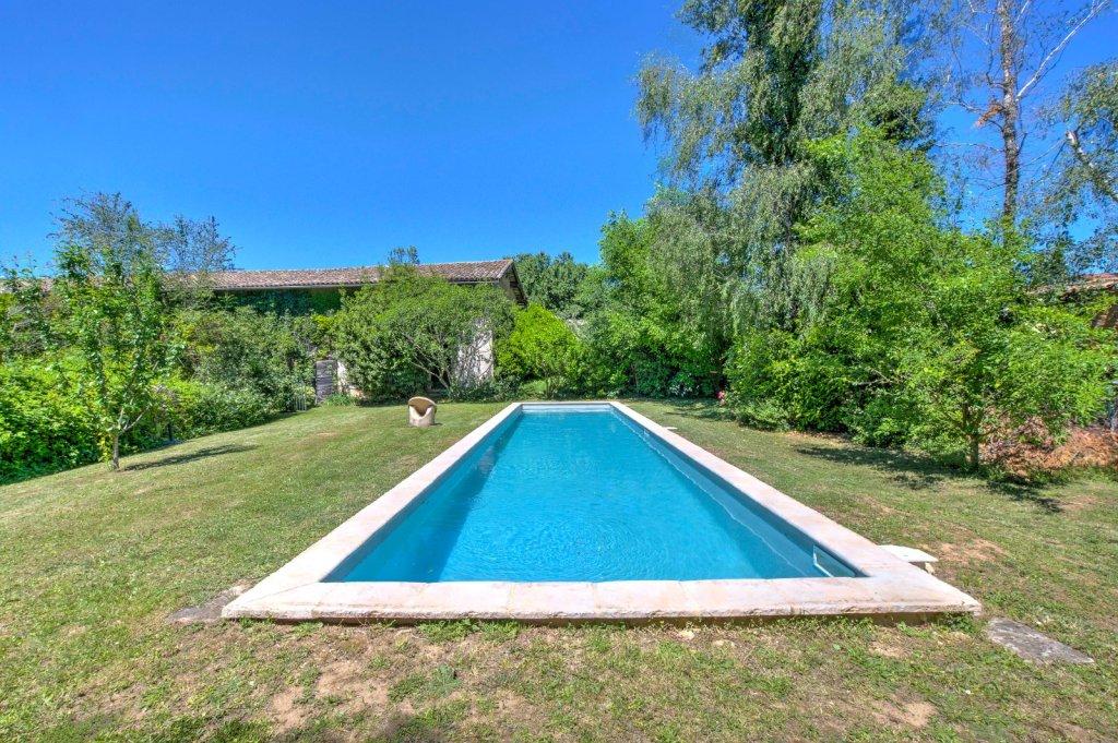 PROPRIETE A VENDRE - TREVOUX - 207 m2 - 650000 €