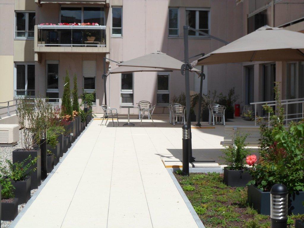 T1 BIS A VENDRE - LYON 6EME ARRONDISSEMENT - 33,41 m2 - 77000 €