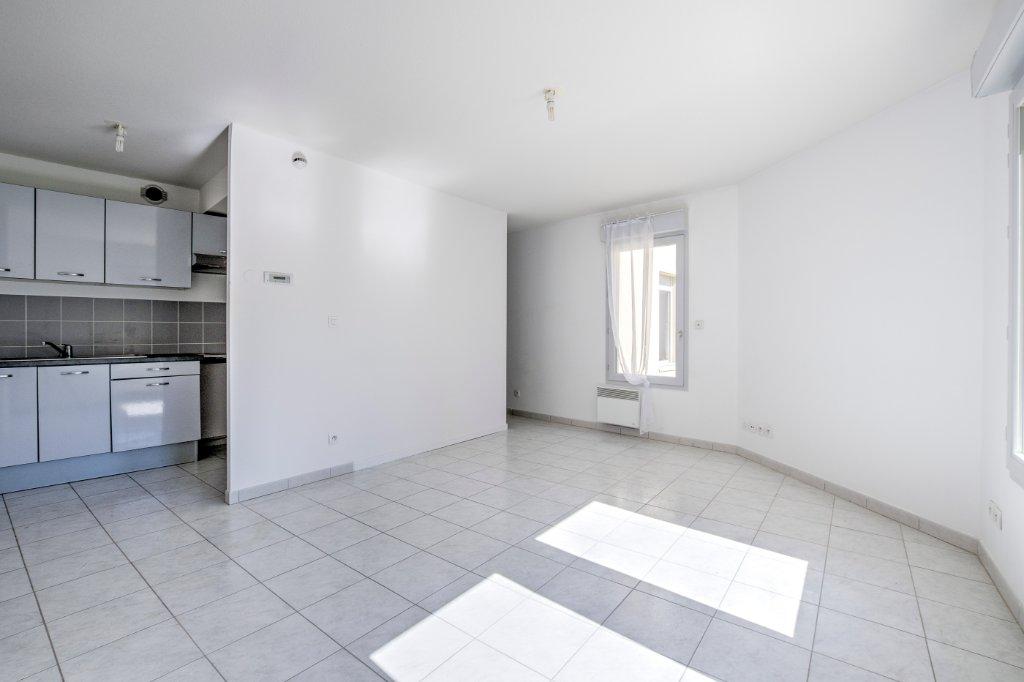 APPARTEMENT T2 A VENDRE - VILLEFRANCHE SUR SAONE - 38 m2 - 106000 €