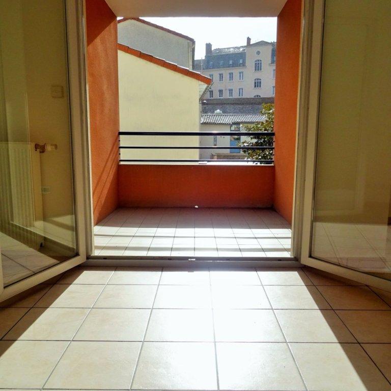 appartement t3 a vendre villefranche sur saone 67 m2 169 000 immobilier villefranche. Black Bedroom Furniture Sets. Home Design Ideas