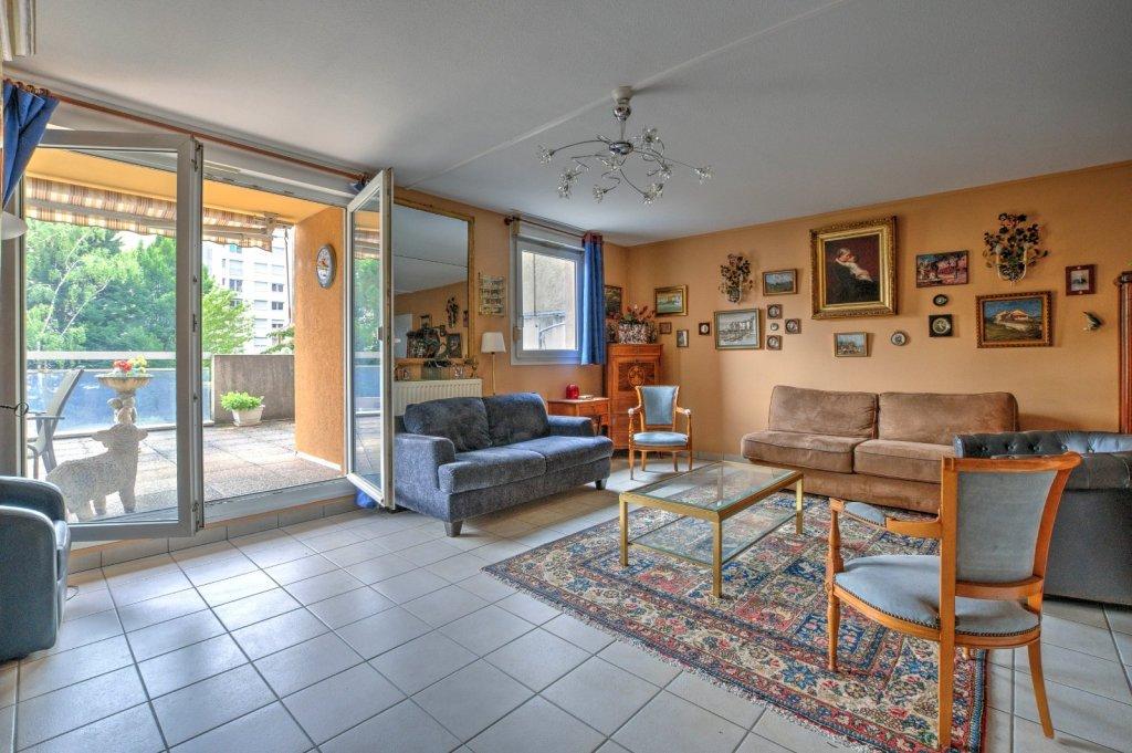 Appartement T3 avec terrasse et garage double A VENDRE - LYON 6EME ARRONDISSEMENT - 94,58 m2 - 470000 €