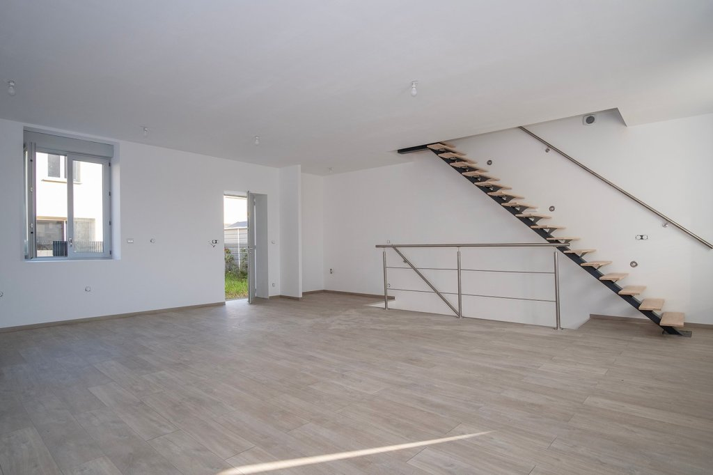 APPARTEMENT T4 A VENDRE - ARNAS - 125,97 m2 - 237000 €