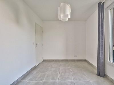 APPARTEMENT T4 - VILLEFRANCHE SUR SAONE - 123 m2 - VENDU