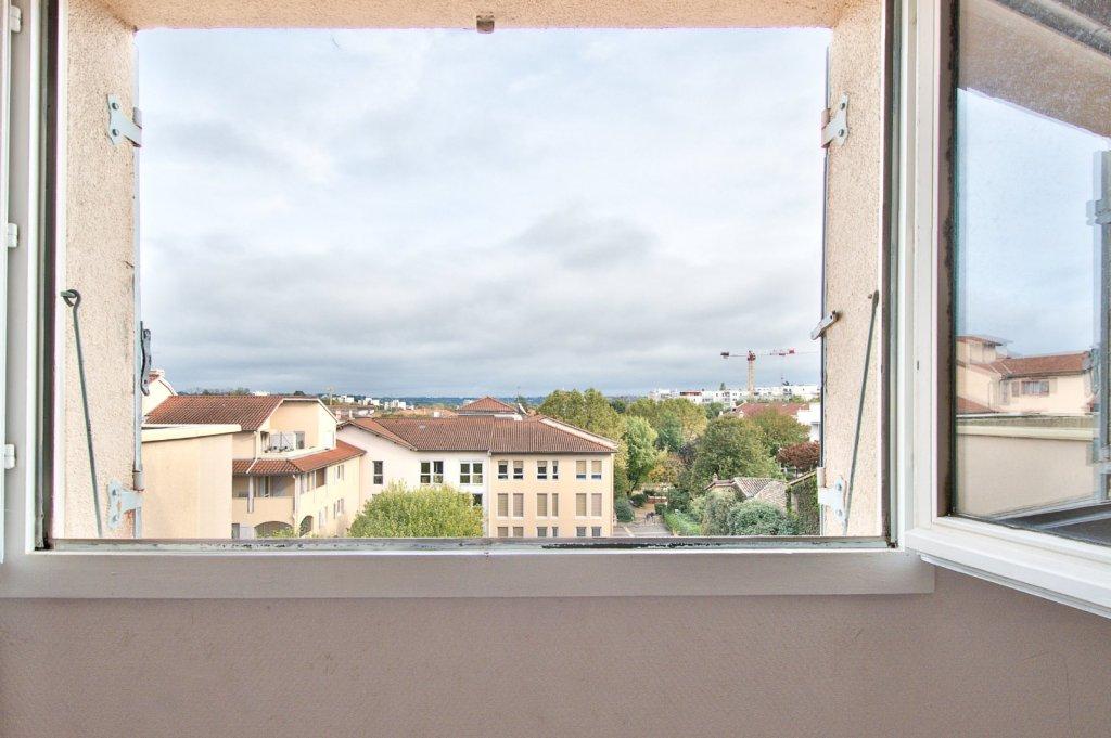 APPARTEMENT T4 A VENDRE - VILLEFRANCHE SUR SAONE - 98,7 m2 - 195000 €