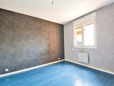 APPARTEMENT T4 A VENDRE - VILLEFRANCHE SUR SAONE - 84 m2 - 220000 €