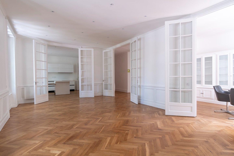 APPARTEMENT T5 A VENDRE - LYON 6EME ARRONDISSEMENT - 144,32 m2 - 1�0�0 €