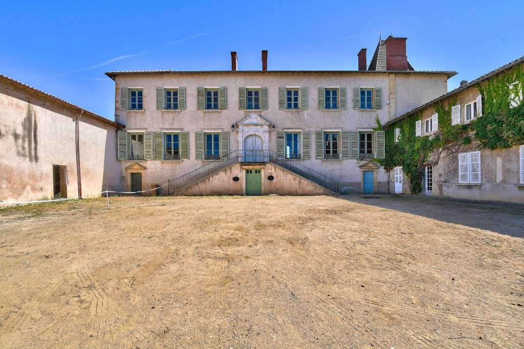 APPARTEMENT T5 A VENDRE - ST GEORGES DE RENEINS - 165 m2 - 189000 €