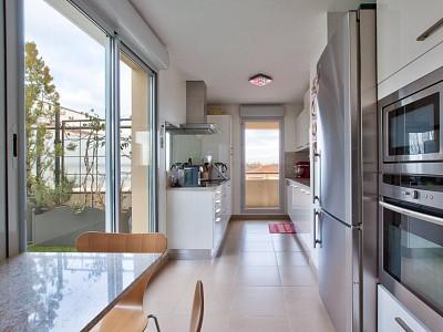 APPARTEMENT T5 A VENDRE - VILLEFRANCHE SUR SAONE - 188 m2 - 720000 €